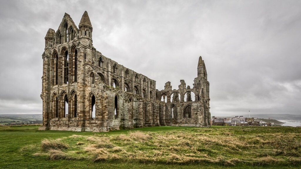 whitby abbey dracula bram stoker in yorkshire