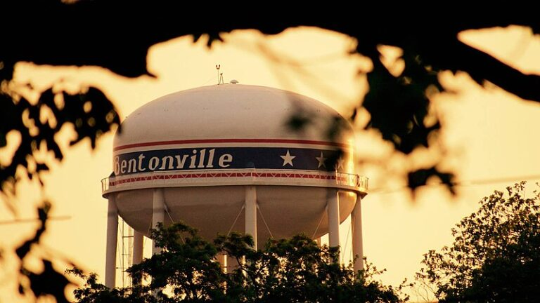 Top 10 BEST TOWNS in the United States